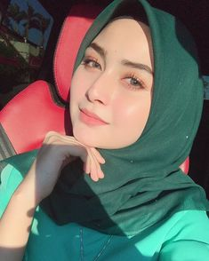 Selamat pagi Instagram,smoga hari ini lebih indah dari semalam 🌕 Beautiful Hijab Girl, Beautiful Muslim Women, Beautiful Ladies, Turban Hijab, Hijab Dress, Hijab Niqab, Hijabi Girl, Girl Hijab, Hijab In Quran