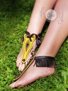 Sandalias hechas a mano, sandalias de cuero, sandalias pies descalzos, sandalias para hombre, sandalias mujer, sandalias de cuero para hombre, sandalias mujer, sandalias de cuero de HolyCowproducts en Etsy https://www.etsy.com/mx/listing/244408111/sandalias-hechas-a-mano-sandalias-de