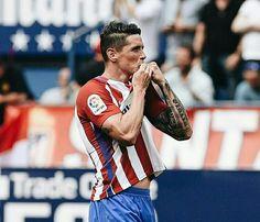 Fernando Torres scored two goals in Vicente Calderon, Atletico Madrid