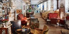 Vollpension Wien - the cutest café in Vienna Restaurant Design, Deco Restaurant, Hipster Cafe, Deco Cafe, Cosy Cafe, Vintage Cafe, Chula, Estilo Boho, W Hotel
