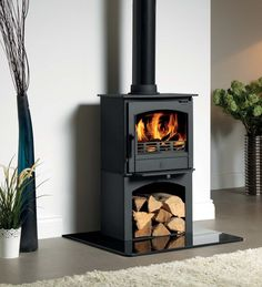 £940.00 ACR Earlswood DEFRA Approved Wood Burning - Multi Fuel Logstore Stove #woodburners #woodburningstoves #logburner #multifuelstove #woodburner #woodburningstove #directstoves #solidfuelstoves #traditionalstove #traditionalwoodburners #traditionalstoves #contemporarystoves