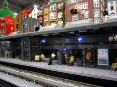MOC: Metro Station with NXT controlled sliding platform doors ...