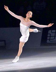 Figure skater Mao Asada performs at Makomanai Sekisui Heim Ice Arena in Sapporo on July 22. (Kotaro Ebara)