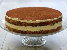 Recette Dessert : Le tiramisu en version gâteau par AmandineCooking Tiramisu Trifle, Gateau Cake, Bon Dessert, Cooking Cake, Pavlova, Coco, Sweet Treats, Food And Drink, Baking