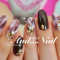 Mari Shirakawa ★ Kobe and Nail's gel nail, medium, brown, autumn, winter, party, was practitioner Bijou, hand, white, to our customers, one color, other, other, other nail ♪ [1744522] | Nail book