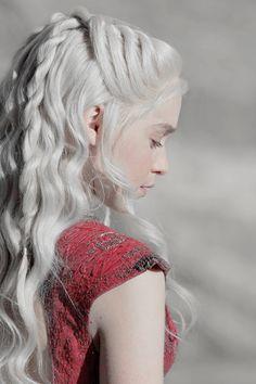 Daenerys Targaryen-game of thrones Lauren Pope, Emilia Clarke Daenerys, Daenerys Targaryen Aesthetic, Jon Snow Daenerys Targaryen, Deanerys Targaryen, Danaerys Targaryen Hair, Character Inspiration, Hair Inspiration, Khaleesi Hair