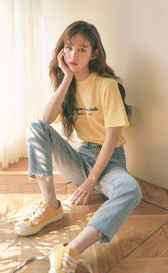 Korean Fashion How to Dress up Korean Style Designer Fashion Tips « niubi. Korean Girl Fashion, Korean Fashion Trends, Korean Street Fashion, Korea Fashion, Asian Fashion, Korea Summer Fashion, Ulzzang Fashion Summer, Teen Fashion Outfits, Cute Fashion