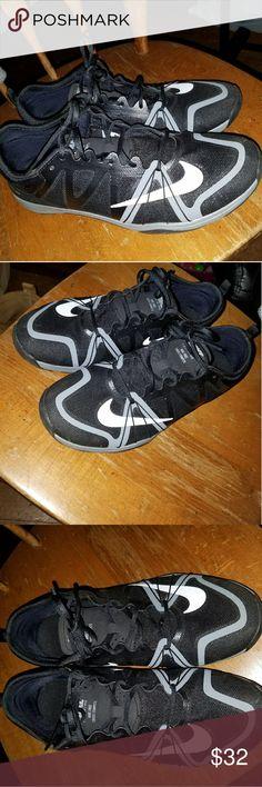 Nike sneakers Nike sneakers worn a few times Shoes Sneakers
