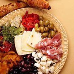 antipasti platter....yummy!!