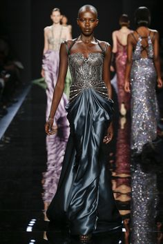 Reem Acra Fall 2016 Ready-to-Wear: I adore this embellished dress with a blue satin bodice! The skirt is elegant and the bodice is fierce!