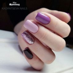 What Christmas manicure to choose for a festive mood - My Nails Fancy Nails, Trendy Nails, Love Nails, How To Do Nails, Gelish Nails, Diy Nails, Purple Nails, Black Nails, Purple Glitter