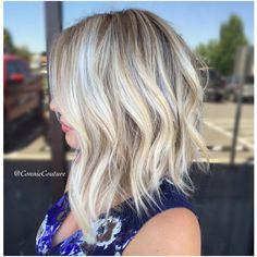 "74 Likes, 6 Comments - •HAIRSTYLIST & MAKEUP ARTIST• (@connie.delamora) on Instagram: ""Rooty Blonde Lob ❤️😍 #modernsalon #behindthechair #americansalon #licensedtocreate"""