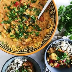 Indisk gryderet med linser og kikærter - Maria Vestergaard Indian Food Recipes, Vegetarian Recipes, Healthy Recipes, Veggie Dinner, Dinner Is Served, Food Cravings, Easy Cooking, Food Hacks, Food Inspiration