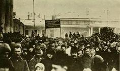 Op 22 januari 1918 zou de Volksrepubliek Oekraïne dan eindelijk volledig onafhankelijk zijn. De Februari- en Oktoberrevolutie in Rusland hadden dit mogelijk gemaakt. De Bolsjewieken, onder leiding van Lenin, staken hier echter een stokje voor. De zo gehoopte onafhankelijkheid moest dus opnieuw nog even op zich laten wachten.