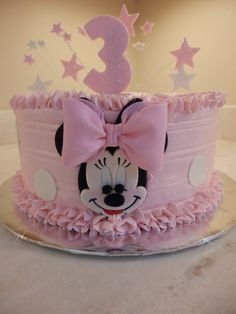 Minnie Mouse Cake Design, Minni Mouse Cake, Minnie Mouse Theme Party, Minnie Mouse Birthday Decorations, Mickey Mouse 1st Birthday, Girls 2nd Birthday Cake, Baby Birthday Cakes, Buttercream Cake Designs, Simple Birthday Decorations