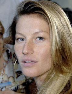 6 Celebrities Who Look Beautiful With No Makeup - Daily Makeover