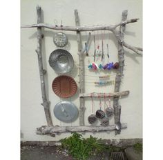 An outdoor sound wall is very amusing and entertaining. These collection of outdoor music wall ideas will embellish your child-friendly backyard ! Natural Playground, Outdoor Playground, Playground Ideas, Preschool Playground, Outdoor Play Spaces, Outdoor Fun, Eyfs Outdoor Area, Sound Wall, Sensory Garden