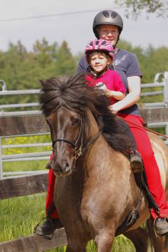 Die Reitseite der Kieler Nachrichten, immer donnerstags. Alles, was ihr schon immer über Pferde lesen wolltet. www.kn-online.de/reiten Fotograf: Silke Müller-Uloth