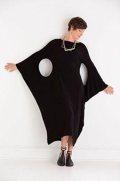 Lacuna Dress by Heydari: Knit Dress Fashion Details, Look Fashion, Hijab Fashion, Diy Fashion, Fashion Dresses, Womens Fashion, Fashion Black, Mode Batik, Mode Cool
