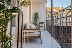 Ethimo Interior Architecture, Interior Design, Home Decor Accessories, Vintage Furniture, Contemporary, Wallpaper, Architecture Interior Design, Nest Design, Home Interior Design