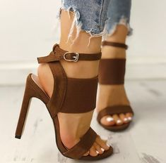 I'm not sure who created heels that are high but all a woman owe him a lot! I have addiction for high heels! Hot Shoes, Crazy Shoes, Me Too Shoes, Shoes Heels, Heeled Sandals, Dress Shoes, Heels Outfits, Nike Shoes, Pointe Shoes