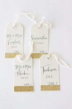 Glitter escort tags are a wedding essential. #goldrush
