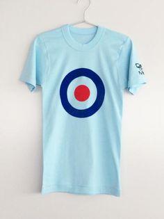 THE WHO のドラマー、キース・ムーンが着用していたことで有名なターゲットマーク(ラウンデル)を1mmフロッキーでプリントしたフランスヴィンテージ風のフライス編みタイトTシャツ。一般的にいうモッズターケットTシャツ。