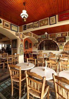 Η Ωραία Ελλάς. Μητροπόλεως 59. Traditional Coffee shop with a view to the Acropolis.