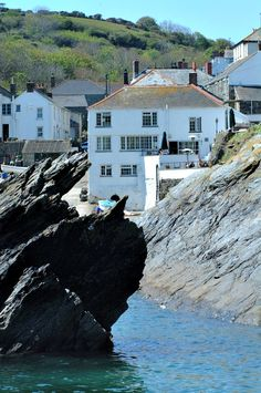 Top 10 Hotels in Cornwall - Top :: Country Calling Cornwall Hotels, Terrace Hotel, Top 10 Hotels, Take A Break, Relax, England, Mansions, Country, House Styles