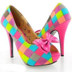 eighties flare.................. oh yes i love these !!! i had a pair in high school !!!