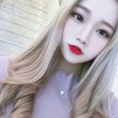 🍑-𝐦 𝐨 𝐜 𝐡 𝐢 𝐝 𝐚 𝐝 𝐝 𝐲 - ulzzangs en 2019 милые азиатские девушки, ольджан y макияж. Ulzzang Korean Girl, Cute Korean Girl, Asian Girl, Korean Beauty, Asian Beauty, Blonde Asian, Chica Cool, Uzzlang Girl, Japanese Girl