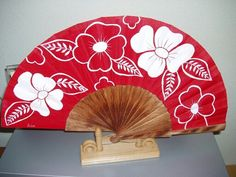 A Hand Held Fan, Hand Fans, Ladies Gloves, Andalucia, Gypsy Drawing, Vintage Woman, Painted Fan, Umbrellas, Wooden Crates