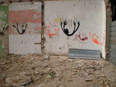 Falling People Stencil Mural, Barceloneta
