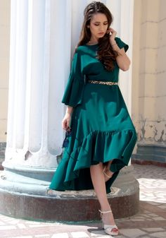 Lady, High Low, Dresses With Sleeves, Long Sleeve, Fashion, Moda, Sleeve Dresses, Long Dress Patterns, Fashion Styles