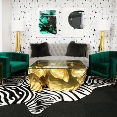 We teamed up with to give their NYC offices a glam refresh. ✨With an ultra chic around every corner, we're loving this makeover. Check out our stories for a mini tour and then visit the last link to nab the look for yourself. Glam Living Room, Living Room Decor, Bedroom Decor, Bedroom Ideas, Decor Room, Living Area, Dining Room, Deco Addict, Woman Bedroom