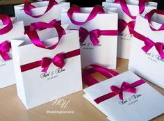 Personalized Wedding Welcome Bags with satin ribbon, bow and names - White and Fucshia - Elegant Custom Paper Bags - Weddings Gifts Favors Cheap Wedding Gifts, Elegant Wedding Favors, Wedding Gift Boxes, Wedding Gifts For Bride, Wedding Favors For Guests, Personalized Wedding Favors, Wedding Thank You, Weeding Favors, Wedding Bag