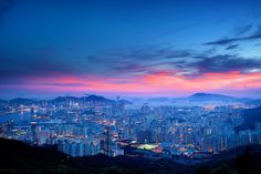 A very nice magic hour + night scene at Fei Ngo Shan, Hong Kong.