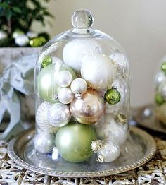 What a cool and simple idea for an Xmas centre-piece - and can mix it up for other occasions!