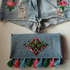 Folk style with beautiful embroidery patch details 😉 Folk Style, Folk Fashion, Embroidery Patches, Backpacks, Detail, Trending Outfits, Unique Jewelry, Handmade Gifts, Bags