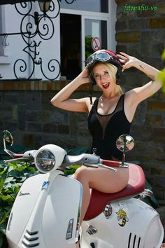 #vespa #girl #italiandesign