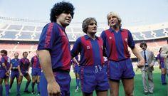 Simonsen sammen med Diego Maradona (t.v.) og tyske Bernd Schuster (t.h.), da han var i FC Barcelona.