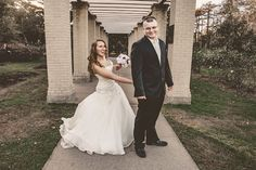 Kelly J. Petersen Photography | Vintage, Retro & Urban Photography | Quad Cities, Iowa: Mr. and Mrs. Tyler Garlock