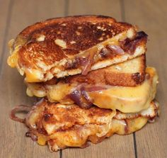 Sweet and Spicy Caramelized Onion 038 BBQ Grilled Cheese Recipe Food Sweet and Spicy Caramelized Onion 038 BBQ Grilled Cheese Recipe Food Janice Stanley Sandwiches Sweet spicy grilled cheese nbsp hellip Grilled Cheese Best Grilled Cheese, Grilled Cheese Recipes, Sandwich Recipes, Grilled Cheeses, Grilled Food, Bacon Sandwiches, Breakfast Desayunos, Food Porn, Tacos