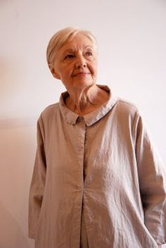 gasp ..... Older Woman Models Clothes!