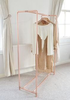 My room Clever Copper Pipe Clothes Rack Ideas Can You Pick a Winning Slot Machine? Pipe Clothes Rack, Diy Clothes Storage, Clothing Storage, Pvc Storage, Diy Clothes Rail, Copper Clothes Rail, Storage Design, Rack For Clothes, Clothes Stand