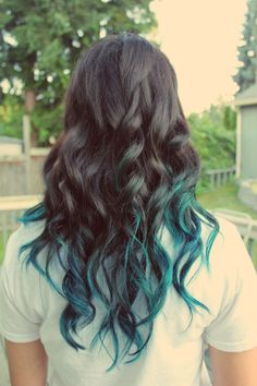 Hair tips dyed, dip dyed hair, dyed tips, hair dye, teal hair Hair Dye Tips, Dyed Tips, Dye My Hair, Blue Dip Dye Hair, Pop Hair, Gorgeous Hair Color, Corte Y Color, Hair Dos, Hair Colors