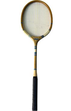 Badminton rackets with vintage look Badminton Racket, Tennis Racket, Rackets, Vintage Looks, Gym Equipment, Interior, Decor, Decoration, Decorating