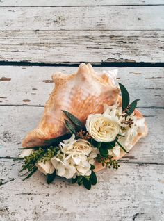 Florida Keys Weddings - Conch Shell Filled with Flowers - Key Largo Weddings by Wishes to Weddings