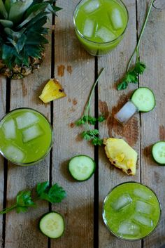 Cleanising and detoxifiyng pineapple parsely jucie