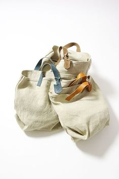 Discover thousands of images about leather handle, canvas bag Sacs Tote Bags, Tote Purse, Canvas Tote Bags, Canvas Totes, Diy Sac, Craft Bags, Jute Bags, Linen Bag, Simple Bags